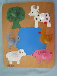 3523: FARM ANIMALS Peg Inset Puzzle
