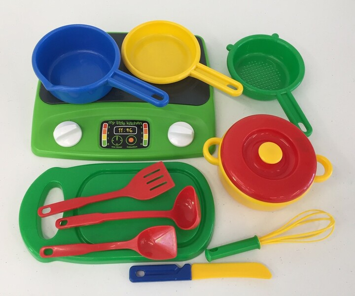 523: Kitchen set