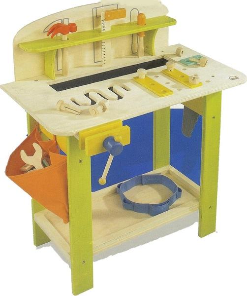877: Master carpenter workbench