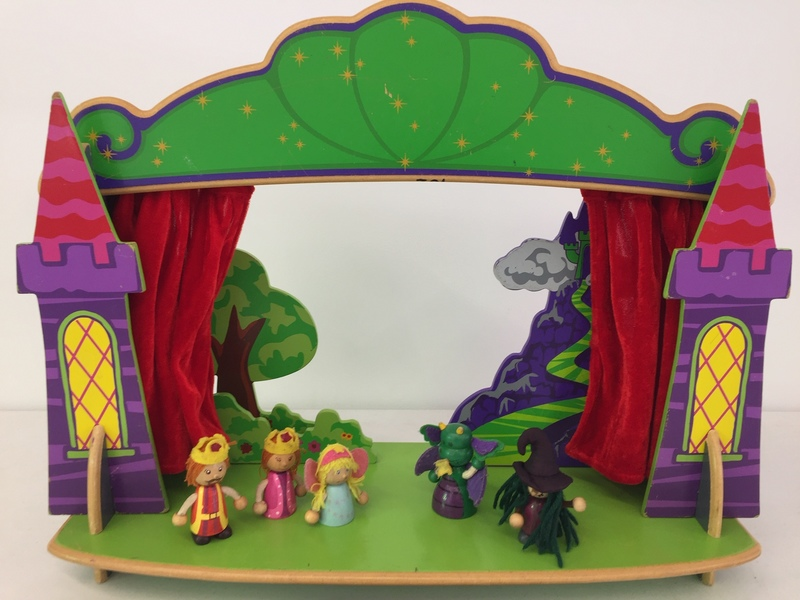 702: Tabletop Puppet Theatre