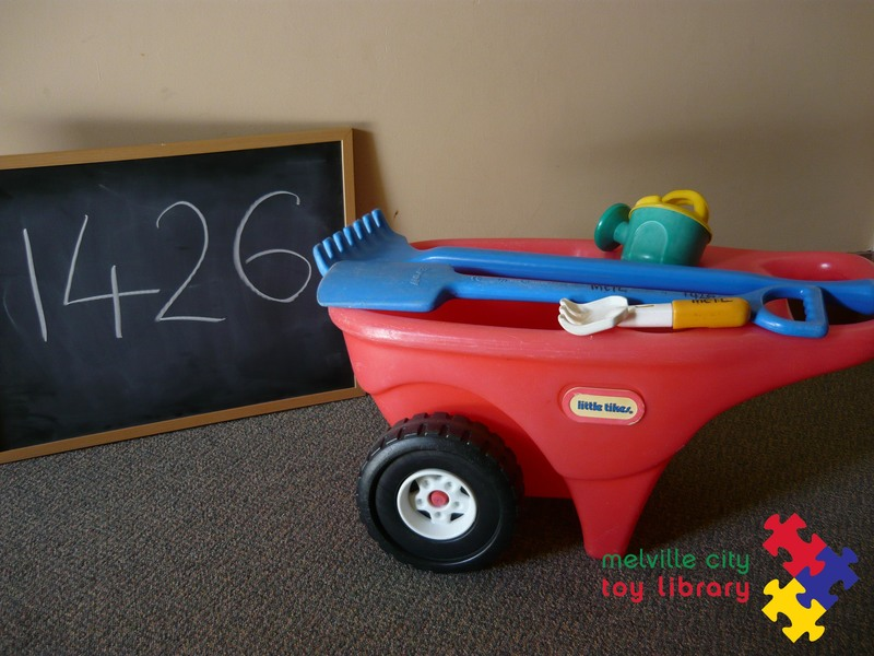 1426: Lawn and Garden Cart & Accessories