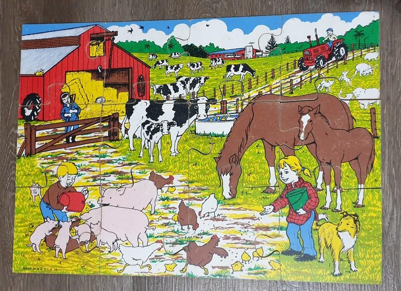 P126_12: Farmyard Floor Puzzle