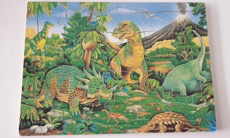 P171_31: Dinosaur Puzzle