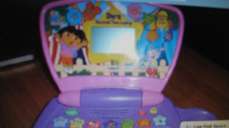 Ga117: Dora carnival laptop