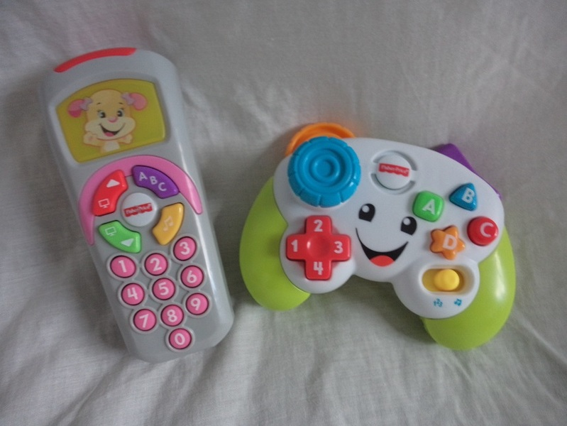 EL133: Game & Learn controller & Sis' remote