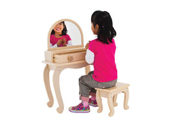 971: Dressing Table  and Accessories
