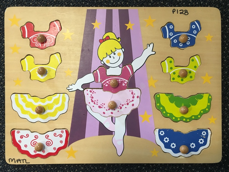 P128: Ballerina Puzzle with knobs