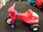 R9: Little Tikes Big Red Trike with boot