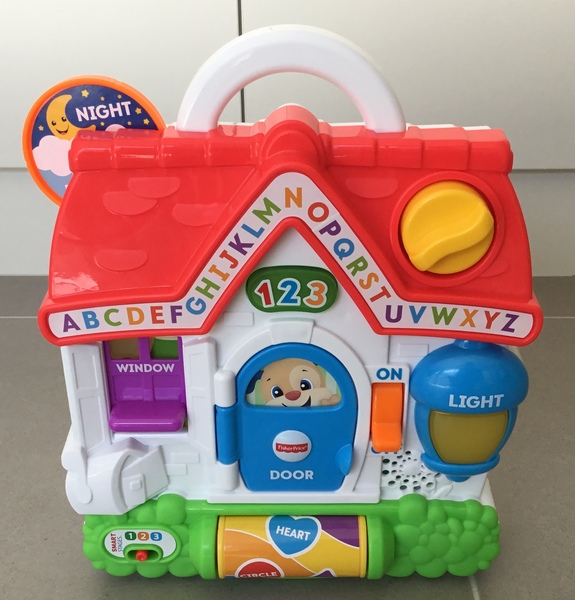 B1803: Fisher-Price Laugh & Learn Puppy's Busy Activity Home