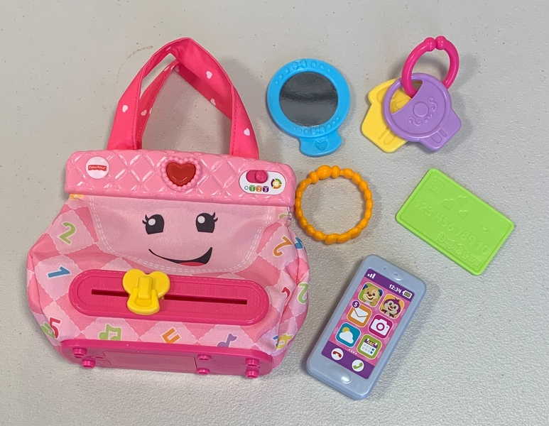 D1905: Fisher-Price Laugh & Learn Smart Stages My Smart Purse (Japanese and English)
