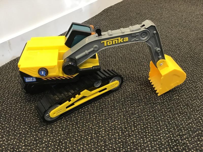 T1904: Tonka Power Movers Excavator