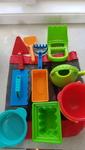 W1904: Hape Sandpit toys in black and red bag