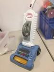 D19: Little Tikes Roll 'N Pop Vacuum Cleaner