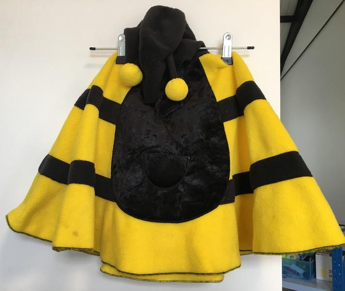 D104: Bumble Bee Cape Dress up