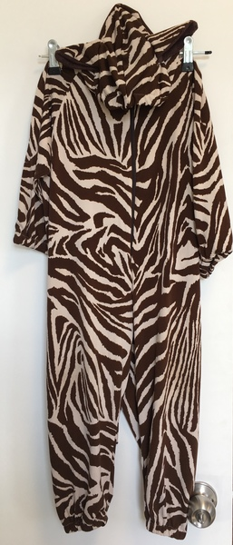 D105: Brown Zebra dress up
