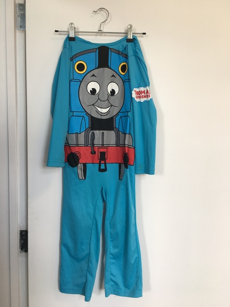 D108: Thomas Dress Up