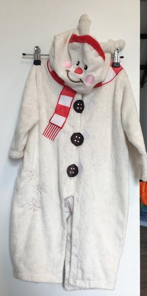 D144: Chou Chou Bug White Dress Up Snowman