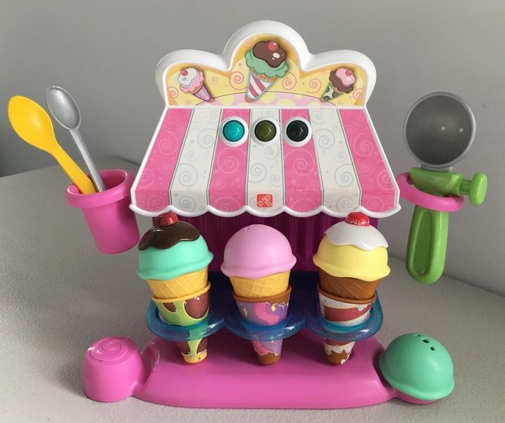 D159: Ice Cream Parlour