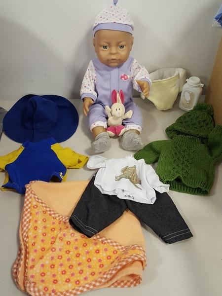 D1112: Peterkin baby + accessories (white)