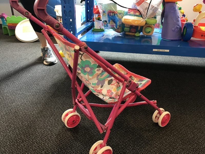 D1136: Pink umbrella pushchair