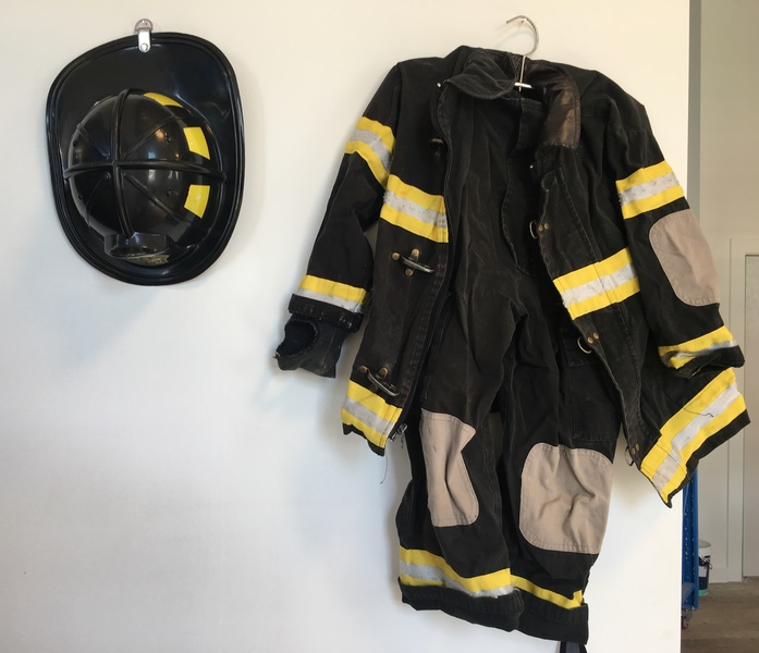 D1145: Jnr Fire Fighter with hat