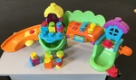 B1502: Fisher-Price stack 'n surprise Sillytown