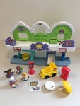 L67A: Fisher Price Little People Town Centre