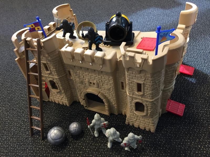 L74: Fold Down Castle Small