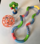 DB1: Wooden 'tree' rattle, teething textured tangle (E1082), 'O' ball