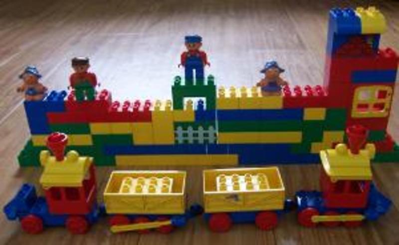 B46: Duplo Train Set