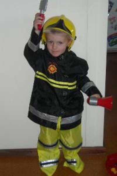 CO1: Fireman Costume