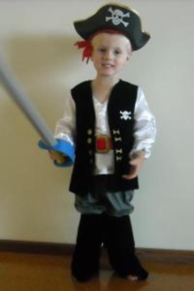 CO3: Pirate Costume