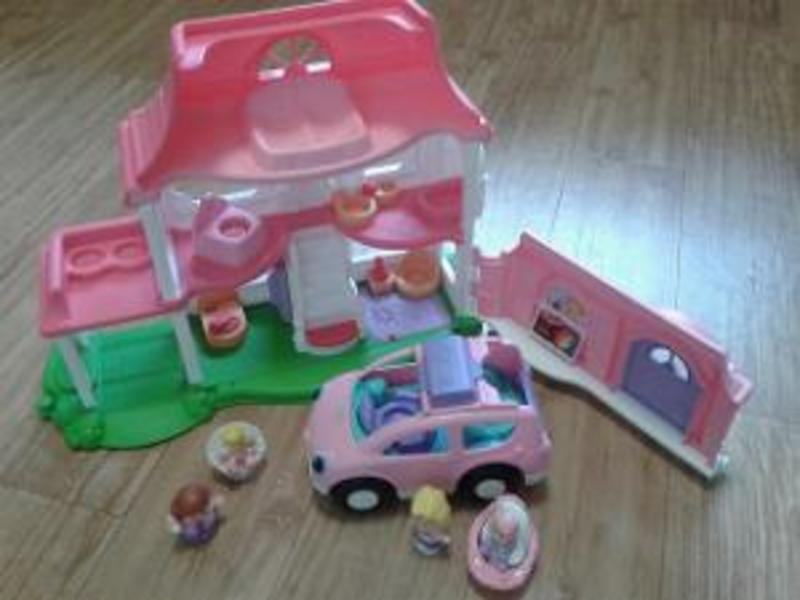 R226: Little People Happy Sounds Home