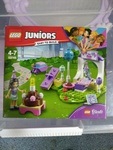 B1: Lego Friends Juniors (4-7years) #10748