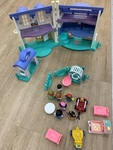 I140: Dolls House and Accessories
