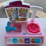 A495: Mini Kitchen with Sink and Cooker