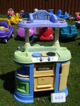 N48: LITTLE TIKES BLUE-YELLOW-GREEN KITCHEN & UTENSILS