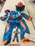 J41: Hot Wheels Racing Driver & Helmet