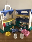 F23: Fisher Price Doll House
