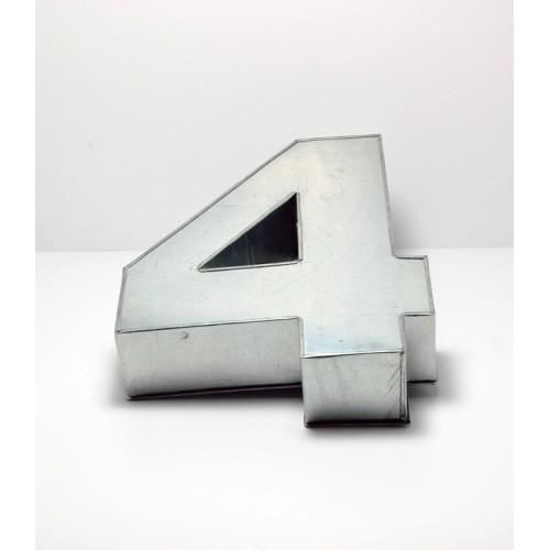 T14: Number 4 Cake Tin