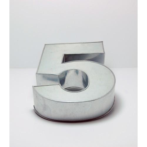 T15: Number 5 Cake Tin