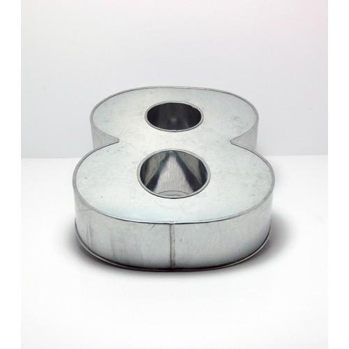 T18: Number 8 Cake Tin