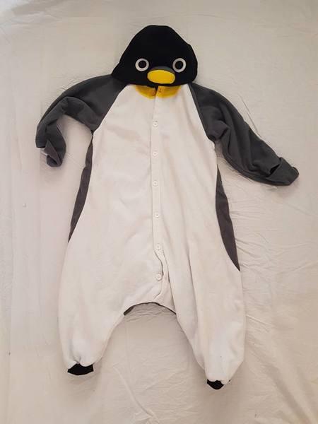 R93: Penguin Costume
