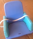 B39: Booster seat blue