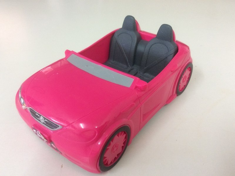 F45: Small pink toy car