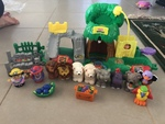 TS34: Little people zoo and animal sounds playset