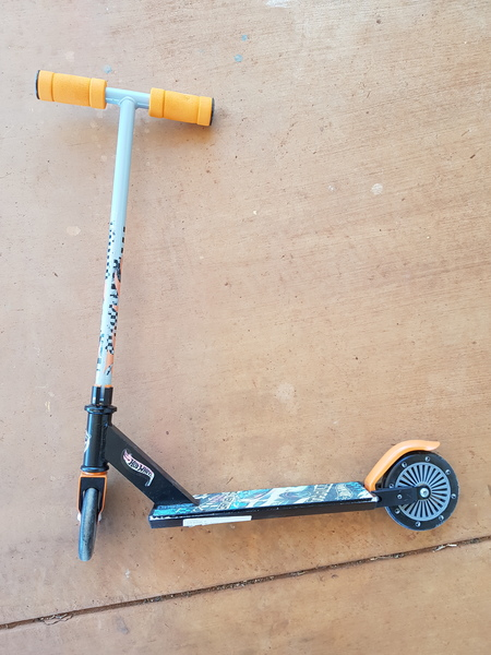O74: Hot Wheels Scooter