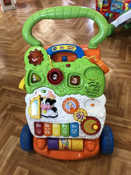 B60: Vtech sit to stand walker