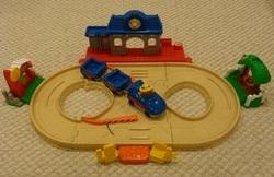 T54102: Little People Fun Sounds Train