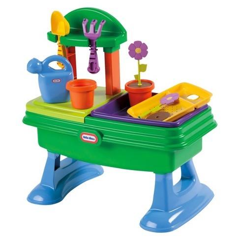 T5638: Garden Table